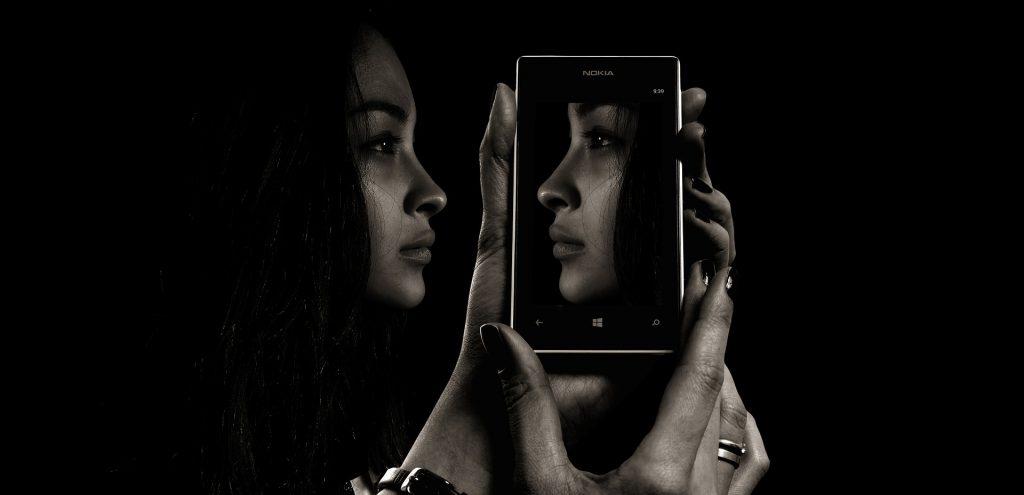 smartphone represent race mirror judgement